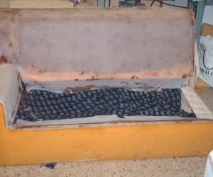Particolare combonibile divano smontato prima della riparazione