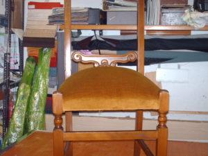 Riparazione e rifacimento sedia moderna