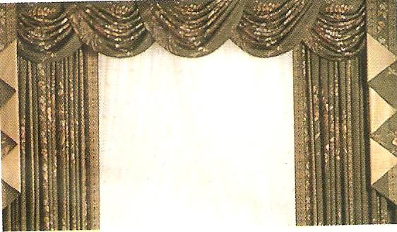 modello tende con drappeggi verde antico